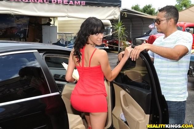 Binky Bangs   8th Street Latinas (Banging Binky)